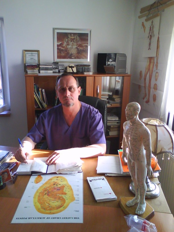 CABINET-MEDICAL-DR.-BOTEA-Psihoterapie-acupunctura-neurologie-si-terapie-alternativa-Despre-mine